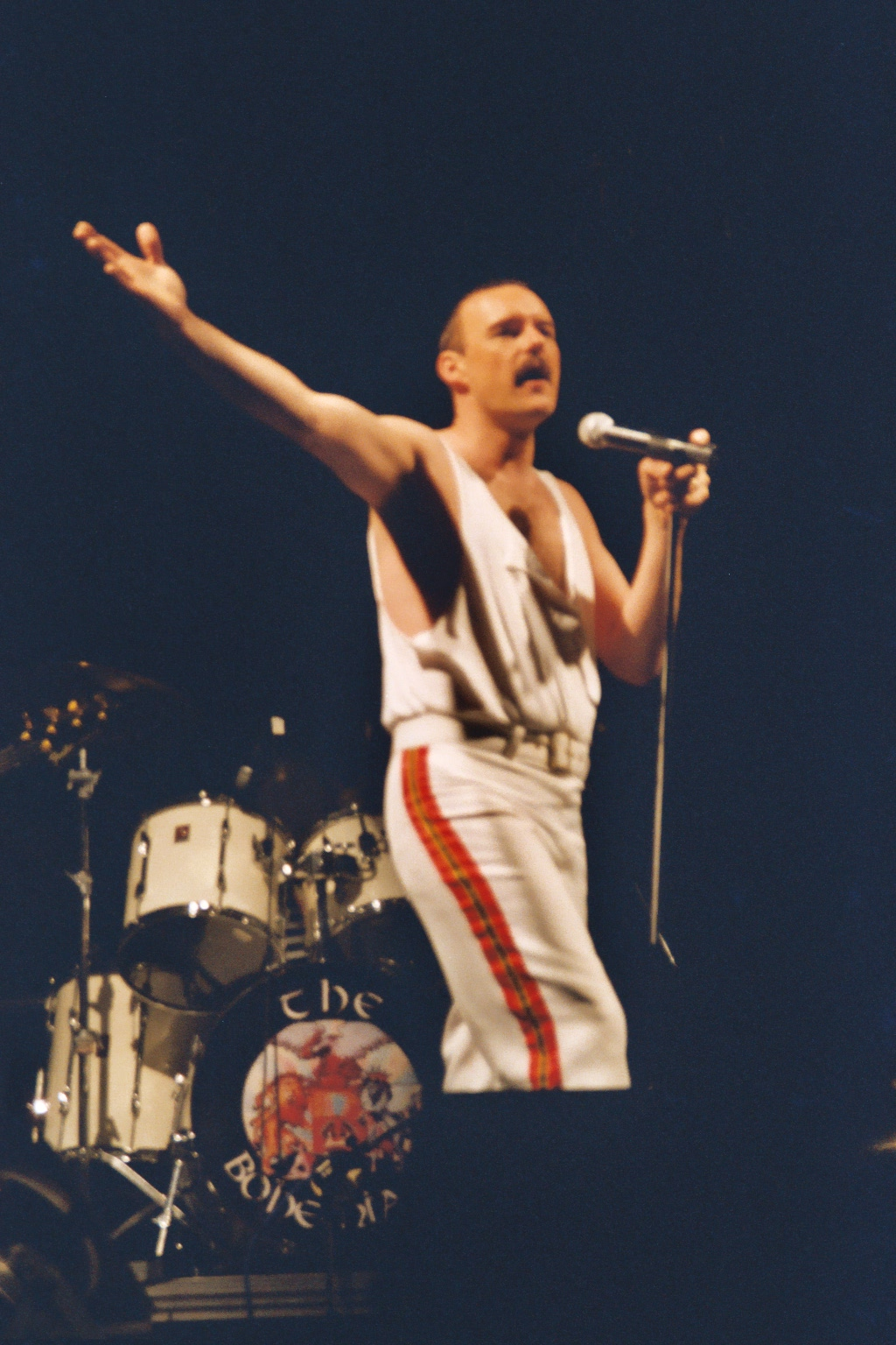 favourite queen member freddie favourite queen song show must go on previous bands empyr heavy rock stride progressive rock dibbles beat
